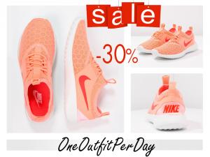 Nike-JUVENATE-Sneaker-low-atomic-pink-bright-crimson